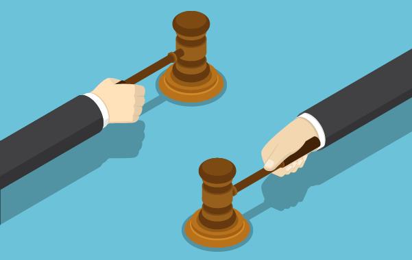Что делать, если судебные приставы арестовали зарплатную карту: имеют ли они право и могут ли наложить арест полностью на счет