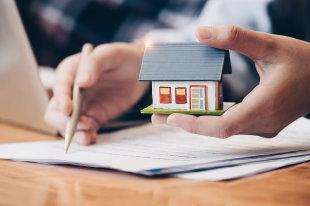 Могут ли забрать привазитированную банком квартиру за долги: в каком случае выселят, арестуют или отберут из-за неуплаты по кредитам приставы и кредиторы - Forma Prava