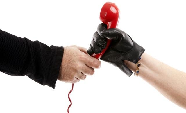 Имеют ли право коллекторы приходить домой - в какое время они могут приезжать к должнику: что делать и как себя вести, если визит был без предупреждения